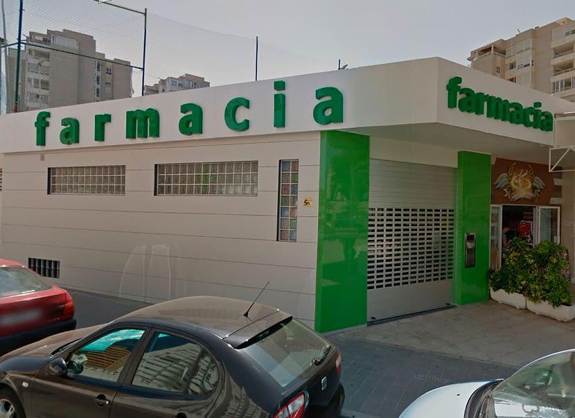 reforma fachada farmacia alicante 3D
